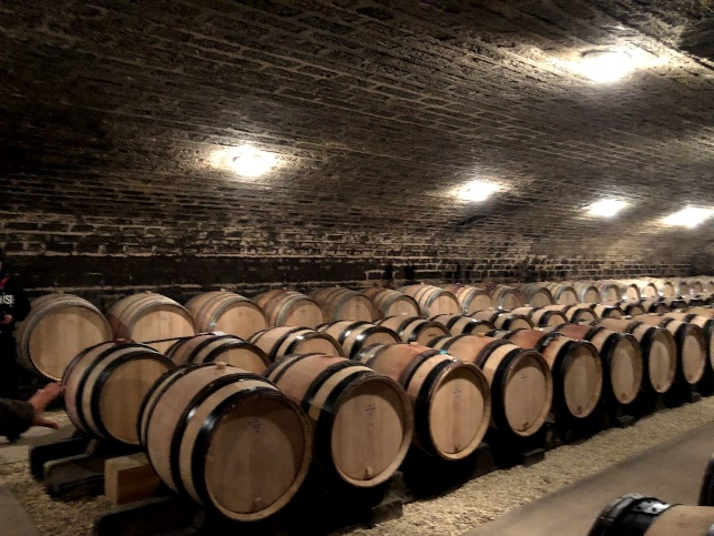 ワイン旅2 ワイン樽の貯蔵庫