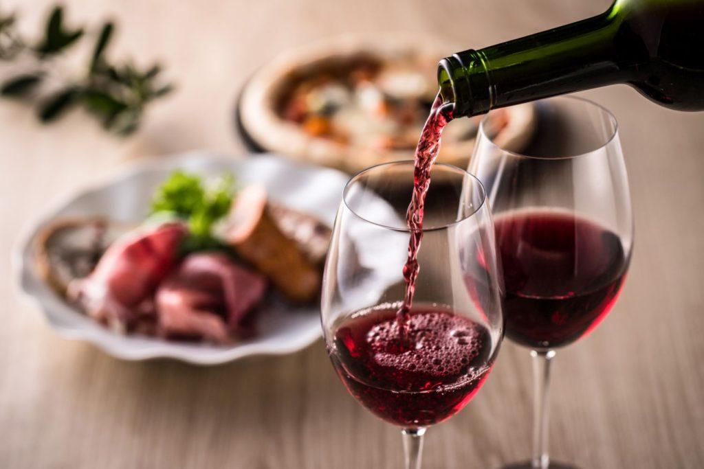 フルボディのワインと食事
