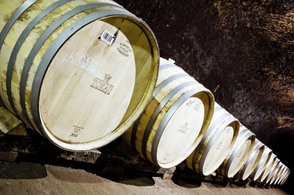 トカイワインの樽