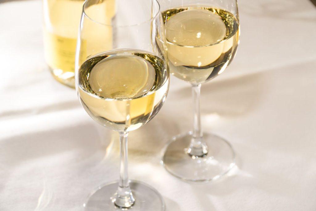 モンラッシェのグラスワインイメージ