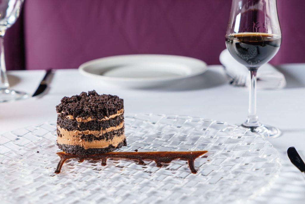 シェリーとチョコレートケーキ