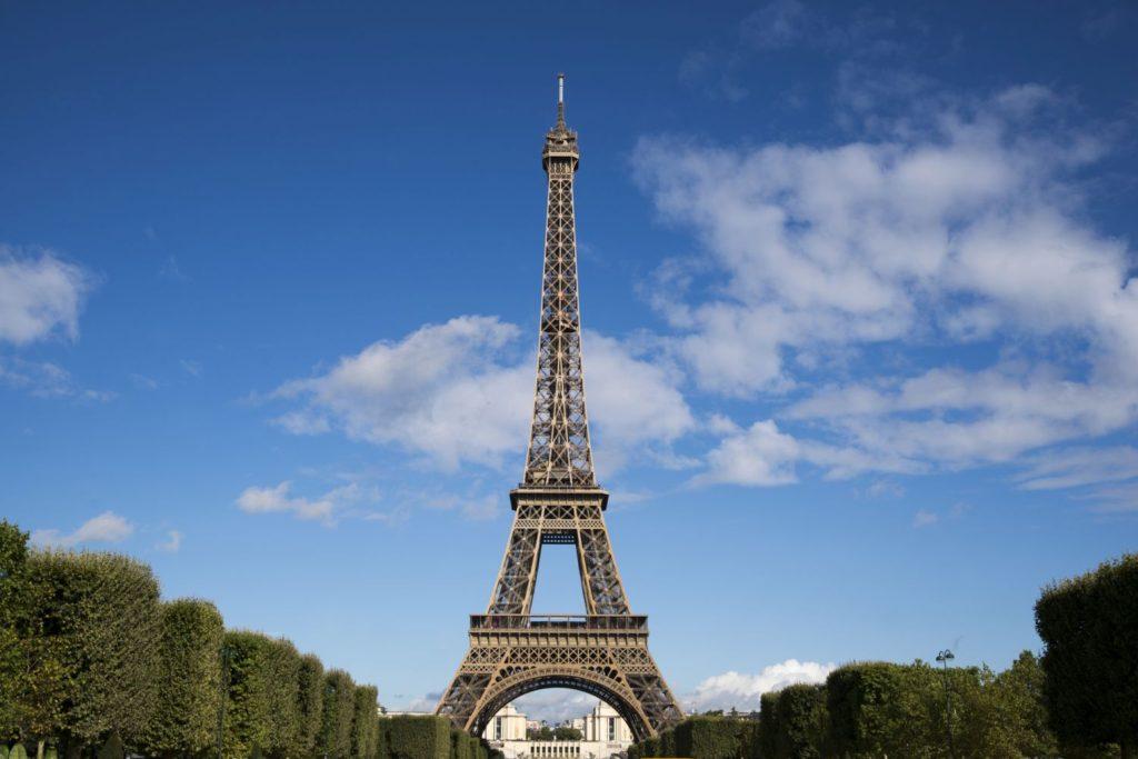 パリのエッフェル塔