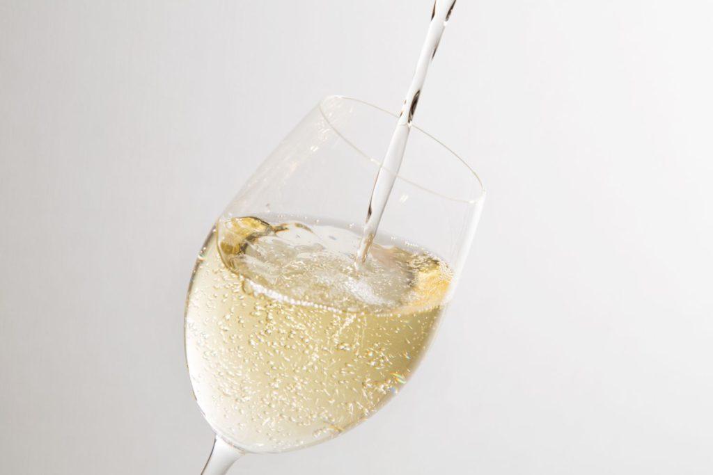 フランチャコルタを飲むときのグラス