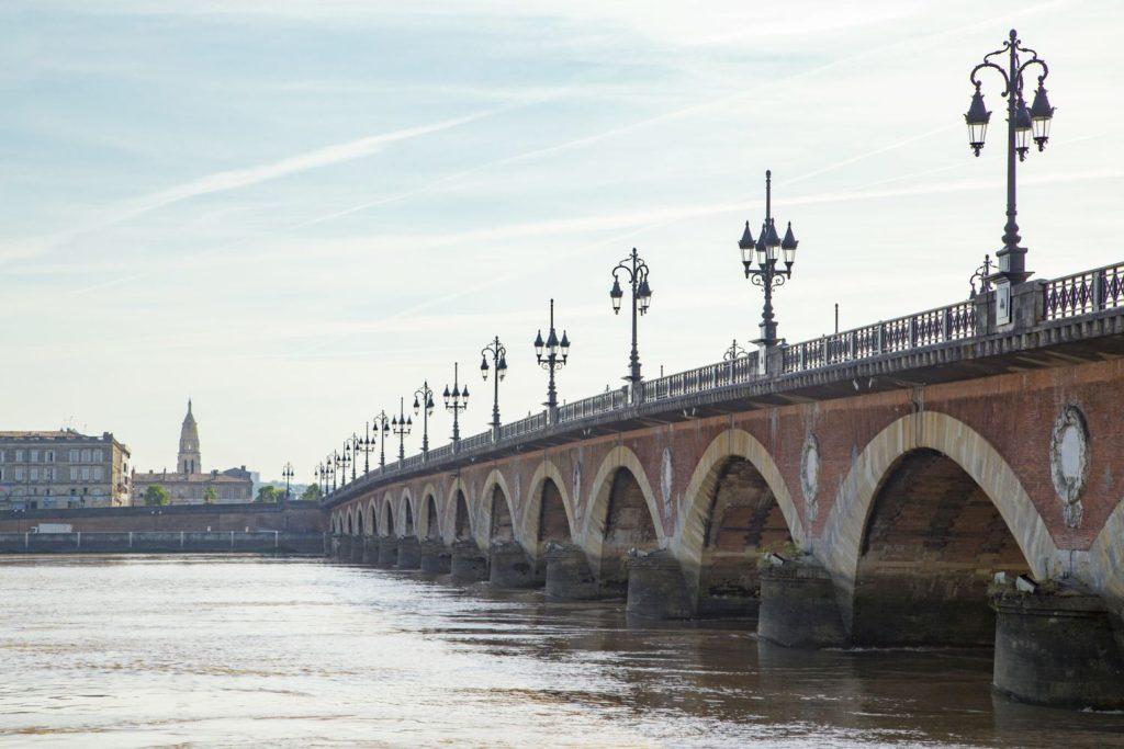 ボルドー、ピエール橋とガロンヌ川