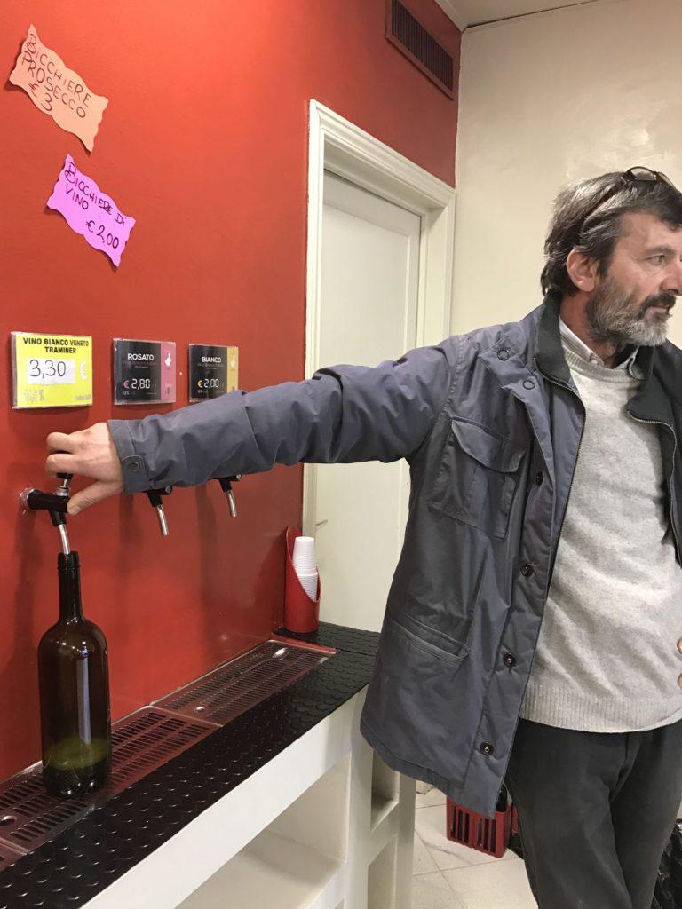 イタリアソムリエ③_ワイン量り売り①